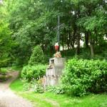 Pomnik upamiętniający ofiary mordu na Wzgórzach Wuleckich